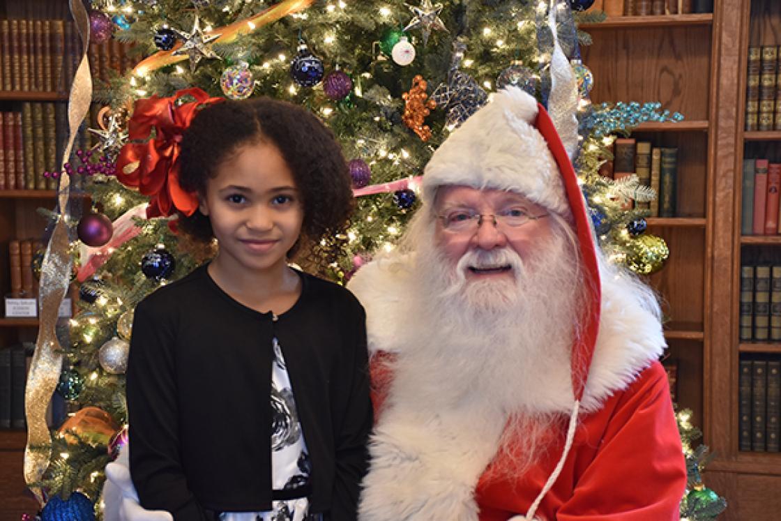 Santa at Cranbrook House 2017 - Girl Closeup