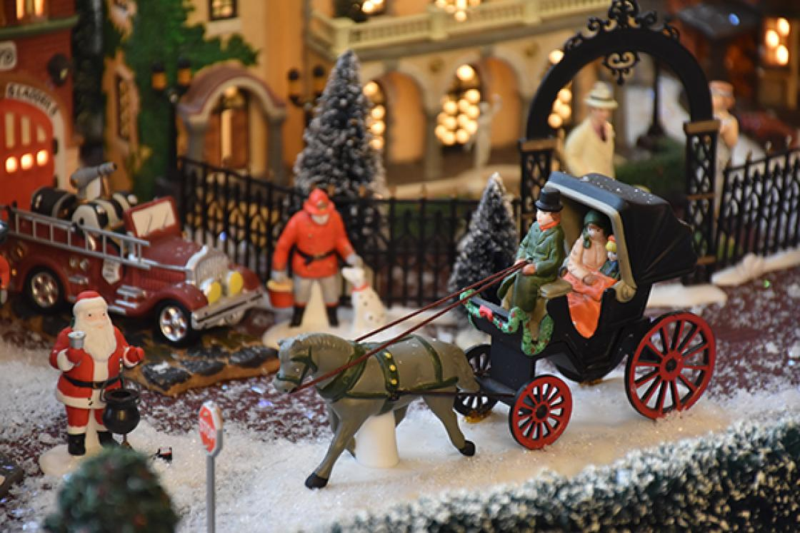 Cranbrook House - Holiday Village Carriage Closeup