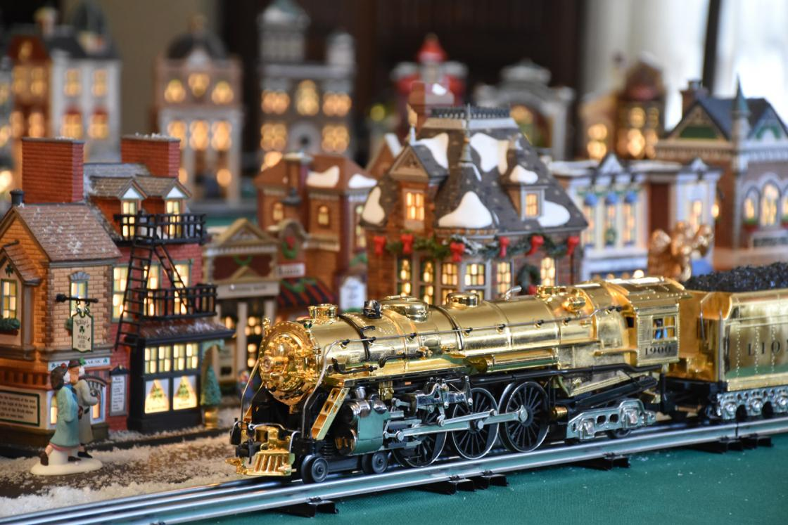 Photograph of a Lionel Train on display in the Cranbrook House Oak Room.