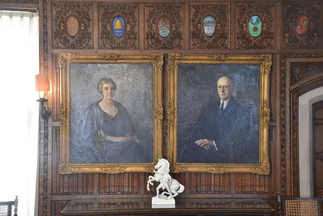 Cranbrook House Oak Room Booth Portraits